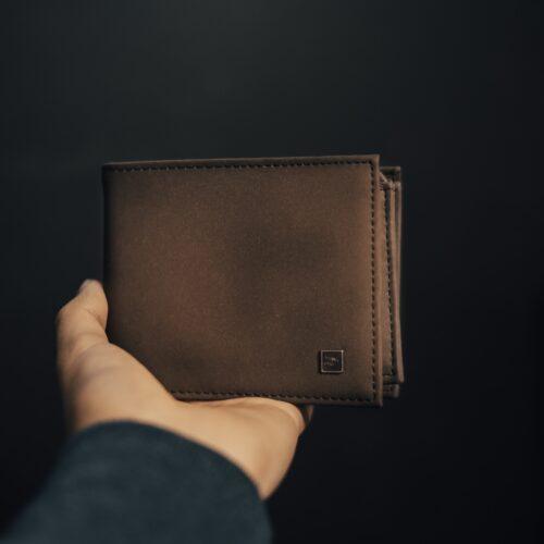 sposoby dbania o męski portfel skórzany